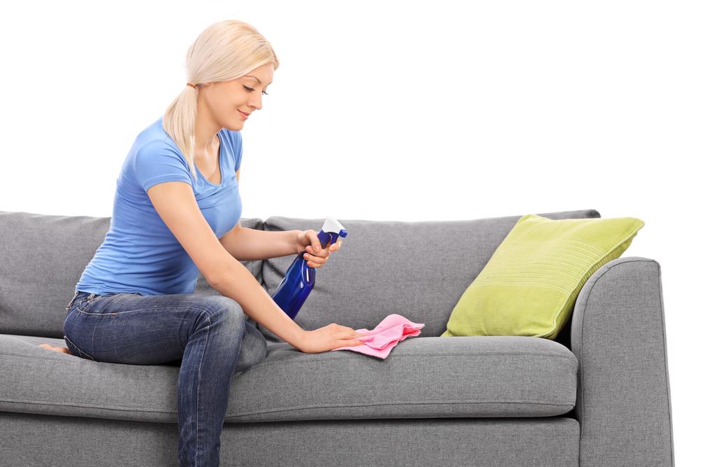 чистим диван